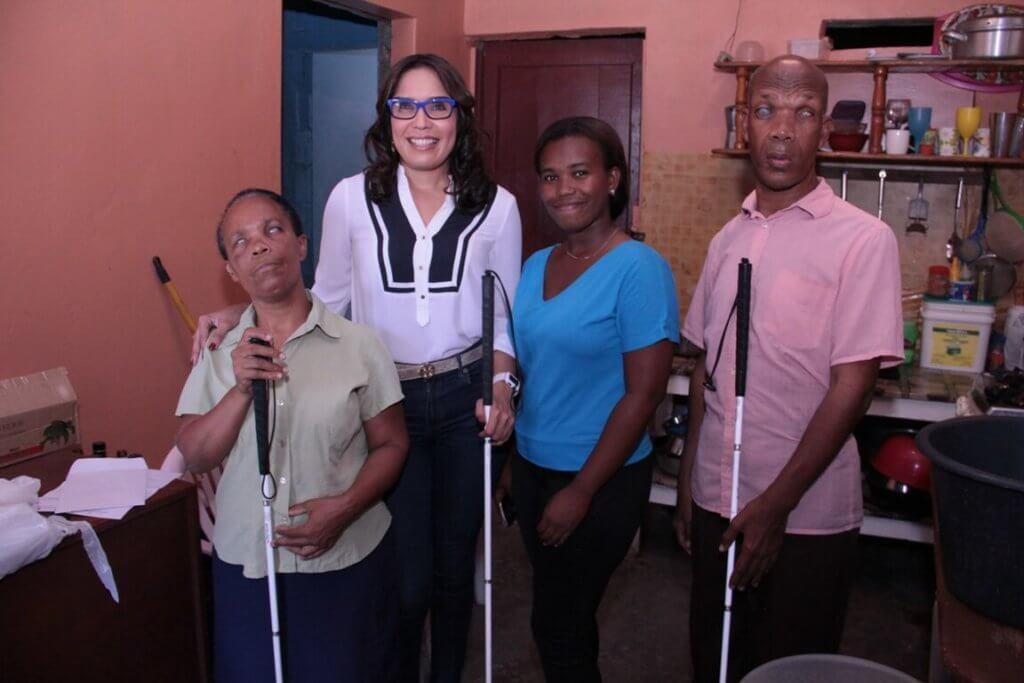 Fundación Francina entrega de Bastones a Asociación de Ciegos Nueva Esperanza
