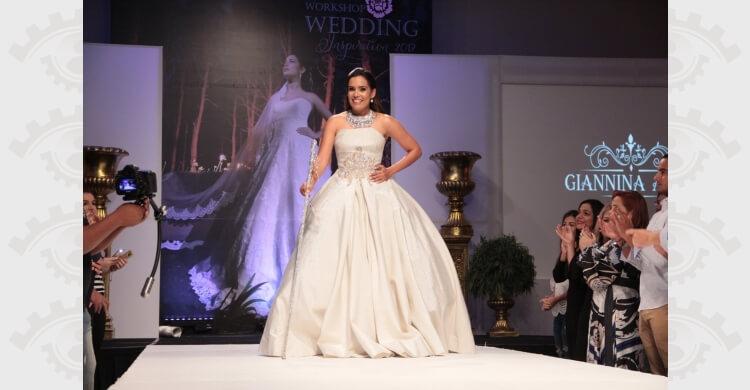 Francina en el desfile Giannina Azar vestida de novia radiante